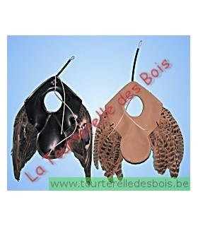 Leurre en cuir, environ 22 cm de hauteur et un npoids de 120 gr.